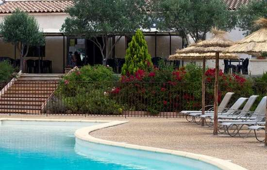 CAMPING A L'OMBRE DES OLIVIERS