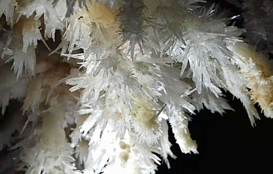 GROTTES--CRYSTAUX