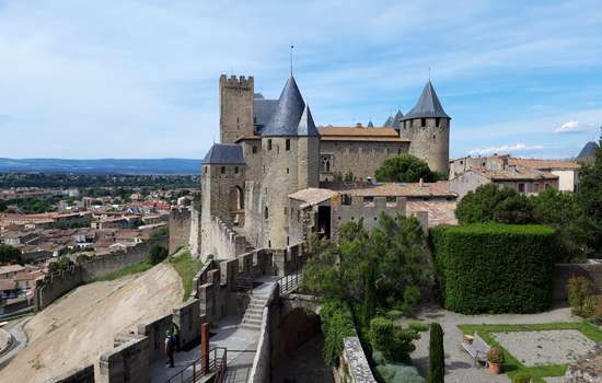 carcassonne-2019-05-cite-rempart-chateau-comtal
