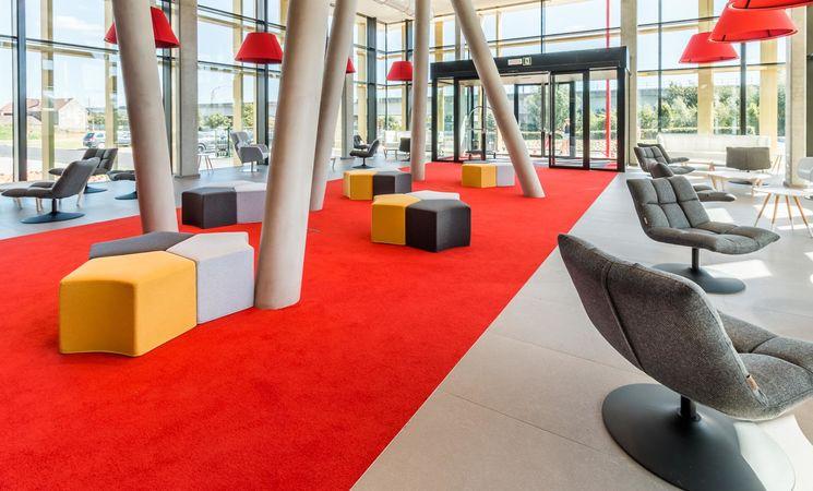 Martin's Red - lobby