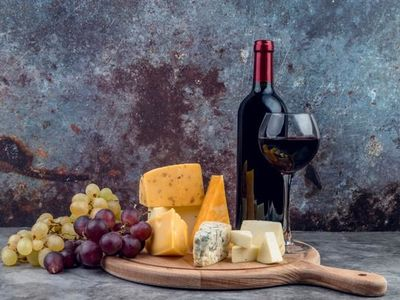 Cheese and Wine fair in Court-Saint-Etienne