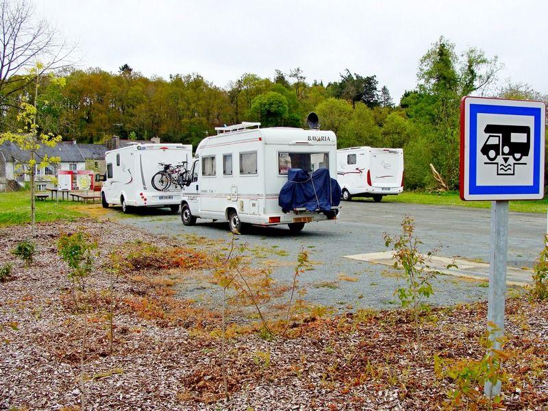 Aire camping car Loguivy-Plougras 2013 BD