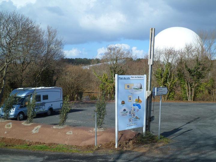 aire_accueil_borne_service_camping-cars_parc_radome_pleumeur_03