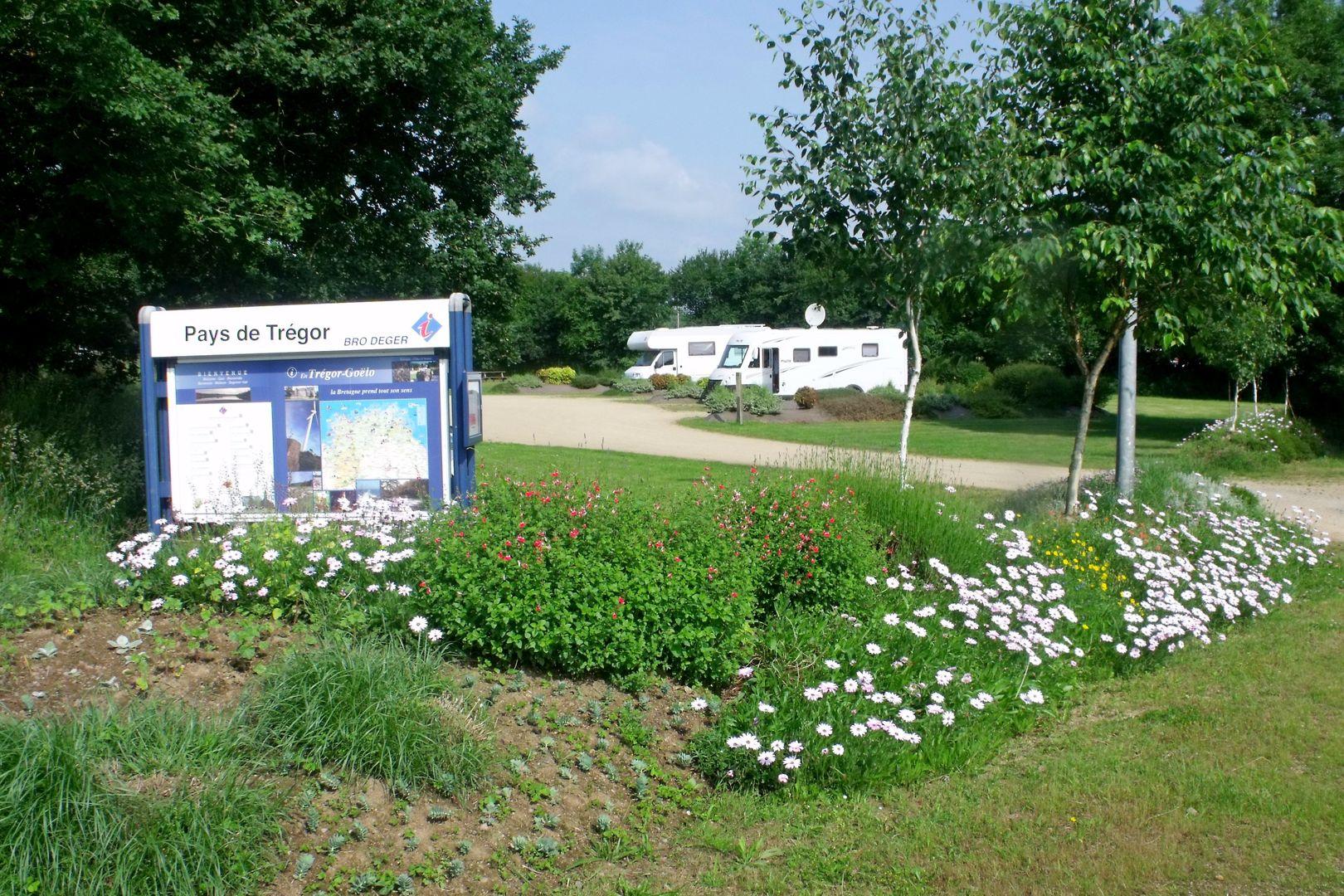 aire camping car Plounévez-Moëdec 2018 (2)