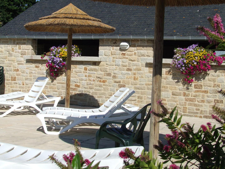 Campinglesblésd'or-St-Cast- piscine extérieure