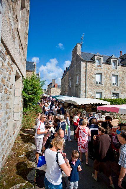 marché du vendredi ST-JACUT