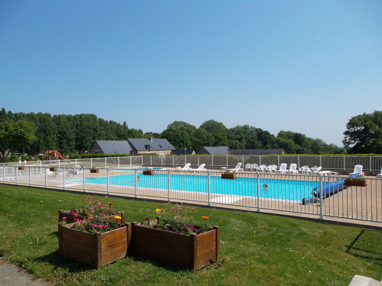 Camping Beauséjour 4 resize piscine