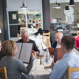 restaurant_Eskemm_ l_Entracte_gourmande-Tregueux_salle_menus
