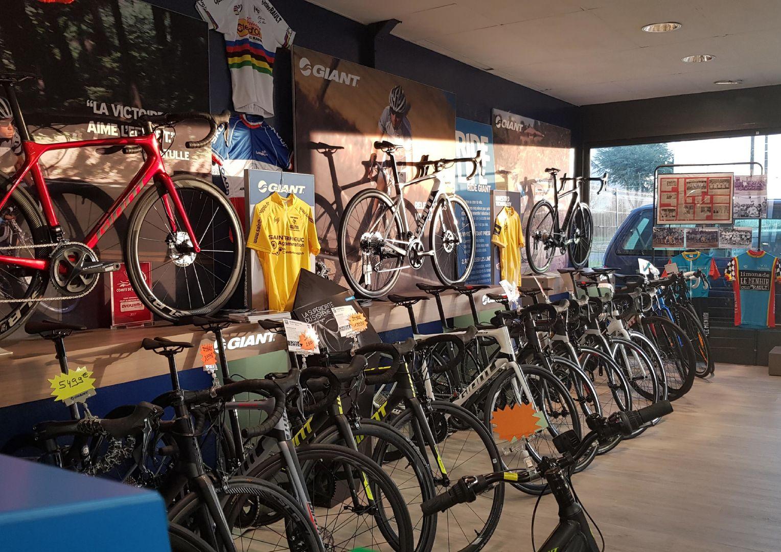 Plaintel_Espace-Vente-Giant-Cycles-Rault