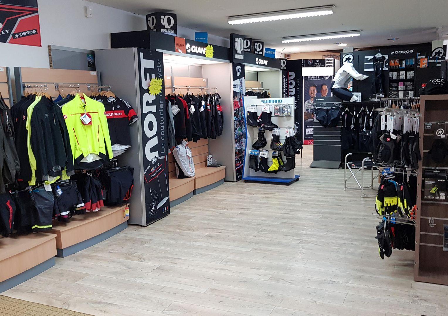 Planitel_Espace-vente-textile-Cycles-Rault