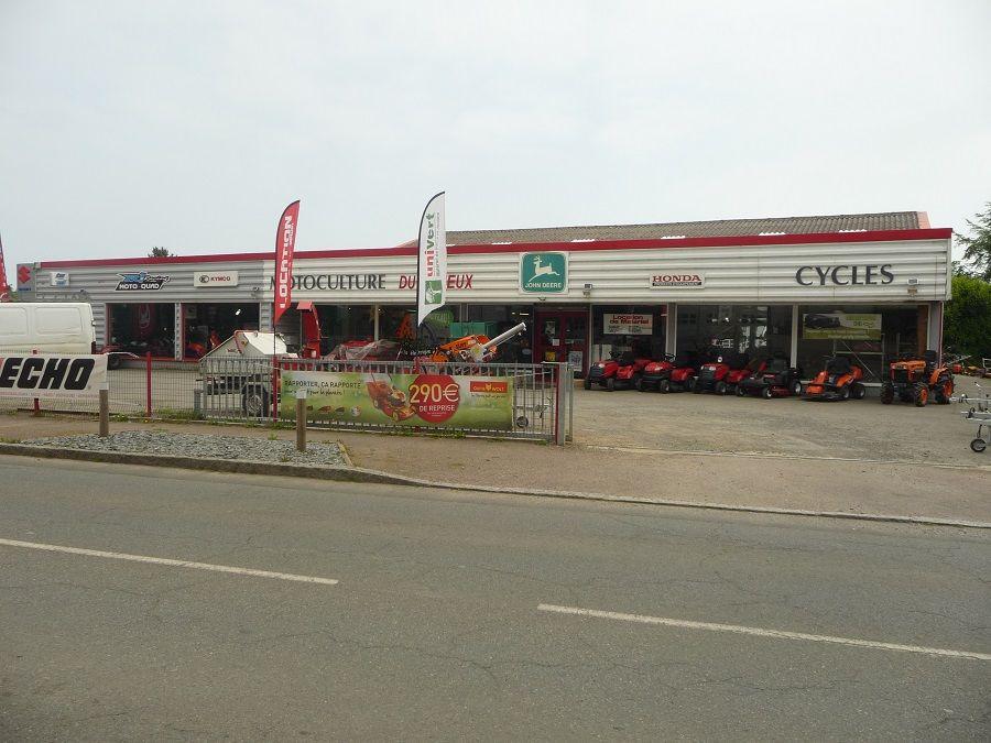 Motoculture_Trieux_parking