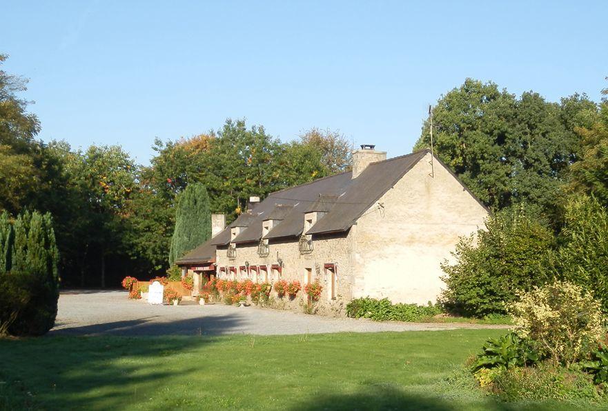 Restaurant-la-Blanche-Hermine-PLELAN--cadre--2