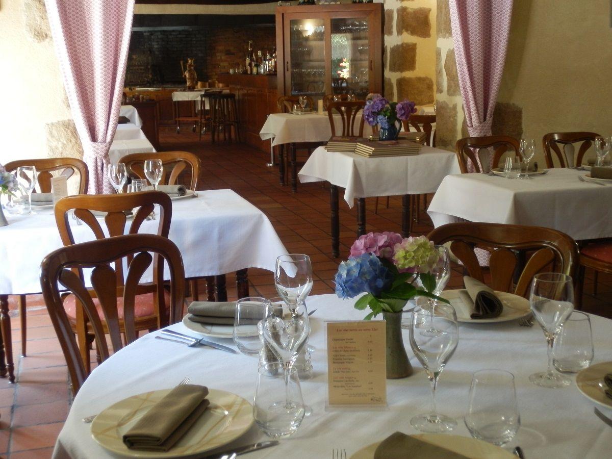 Restaurant-relais-de-la-blanche-hermine-Plelan---2-