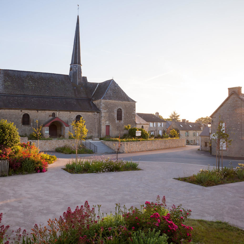 Saint-Juvat - Eglise - Ronald Perrot