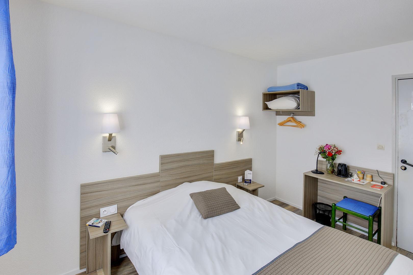chambre2_hotel-chanmp-de-mars_st-brieuc
