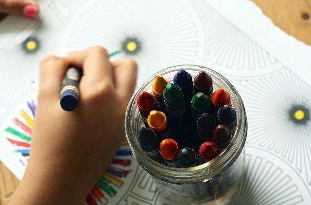 crayons-g7494ee233_640