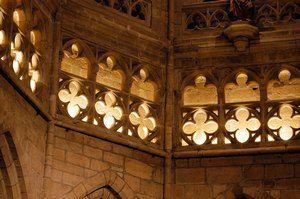 cathédrale_Saint-Brieuc_ triforium sculpté
