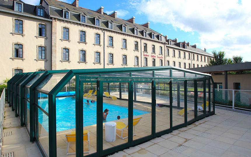 residence-duguesclin-dinan-piscine