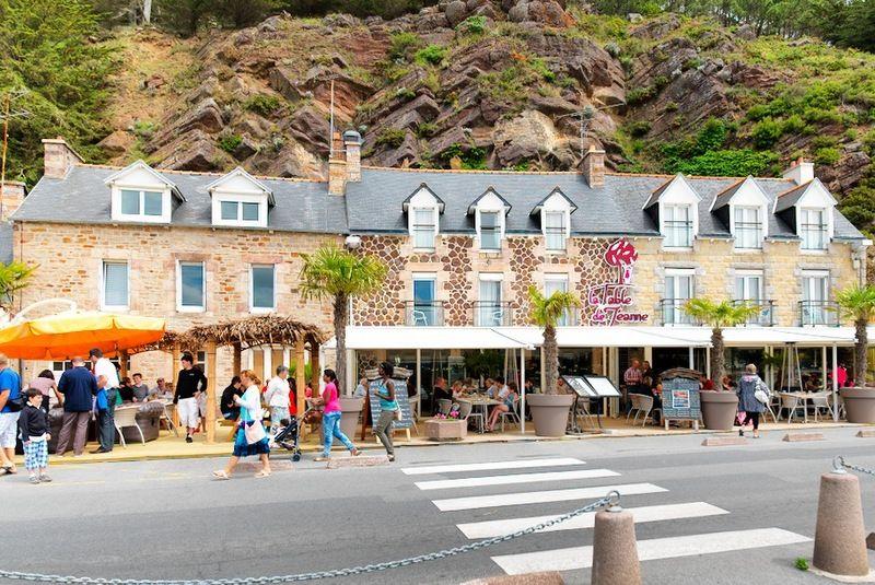 table-de-jeanne-facade