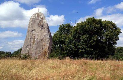 Menhir de Minhir