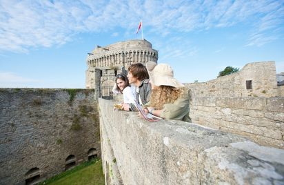 Le tour des remparts de Dinan