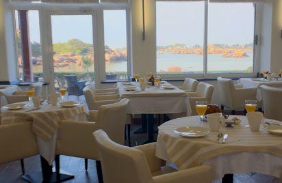 Hôtel - Restaurant Saint-Guirec et de la Plage