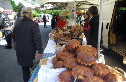 Le petit marché de Bon-Repos