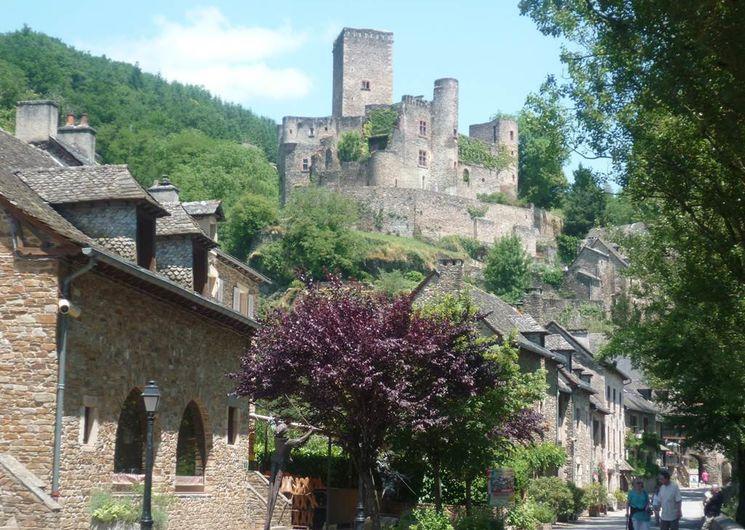 Le château de Belcastel (XIème-XVème s.)