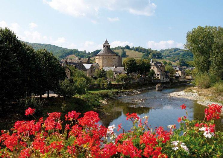 Sainte-Eulalie-d'Olt, dans la haute-vallée du Lot