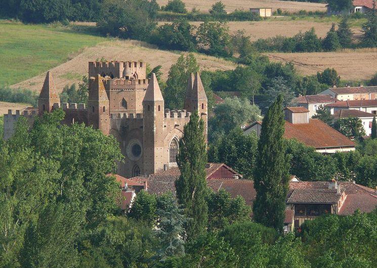 Vue aérienne église village