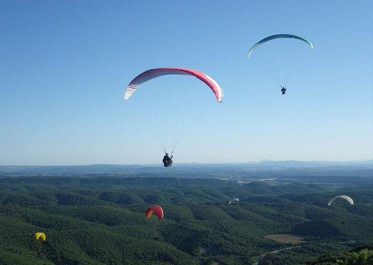 Parapente au Mont Bouquet_ Site départemental de vol libre
