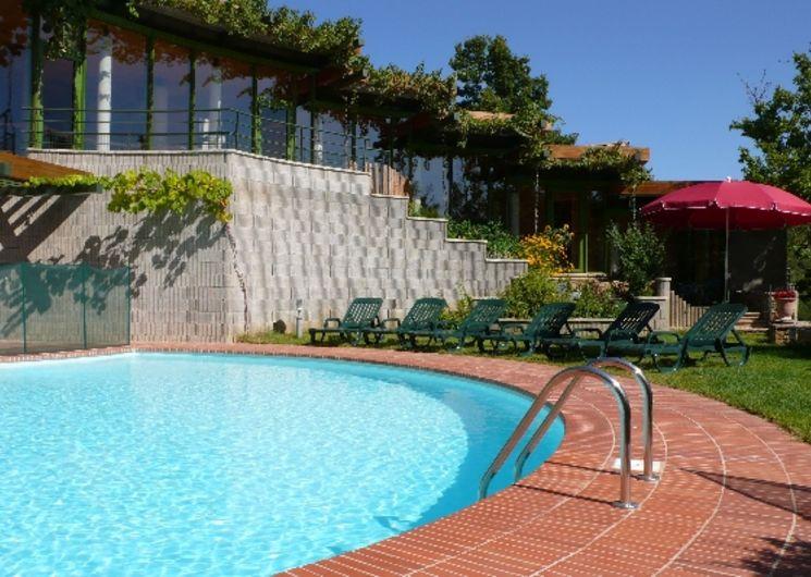 Les Castels de Sorgue - Espace piscine, jardin