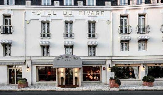 Borne de charge TESLA Hôtel le Rivage