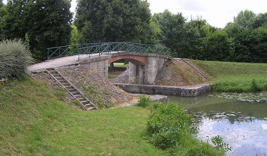 Ancien canal latéral à la Loire