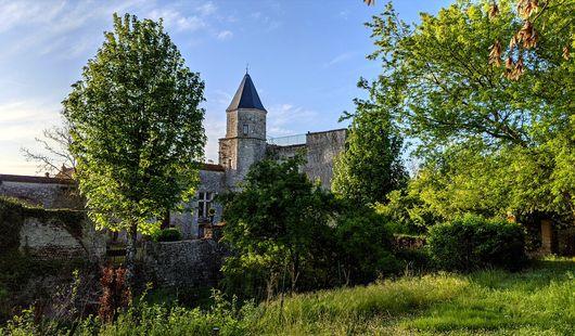Château de Courcelles-le-Roi