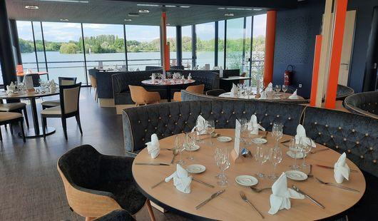 Restaurant sur le lac
