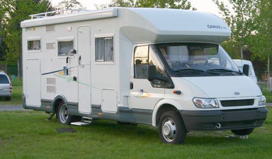 Aire de stationnement pour camping-cars