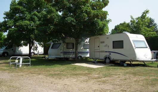 Aire de stationnement pour camping-cars - Le Jardin de Sully