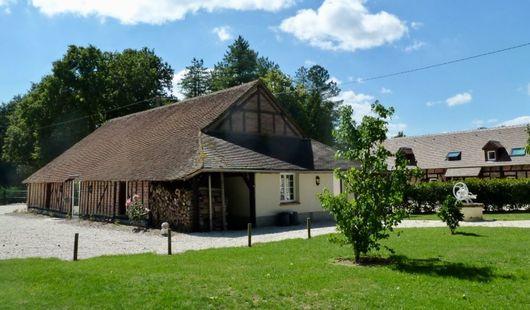 La Thionnière - Grand gîte 24 couchages et salle 100 personnes