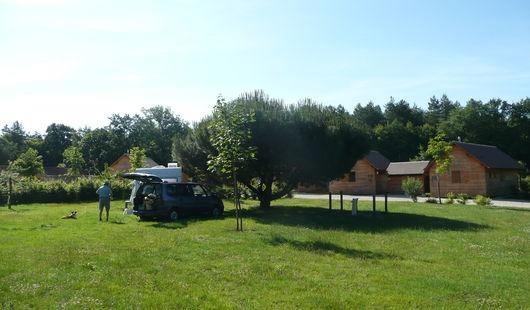 Aire de stationnement pour camping-cars - Domaine du Ciran Ménestreau en Villette