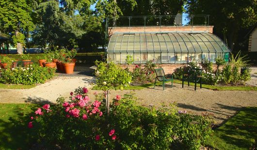 Le jardin de roses du château