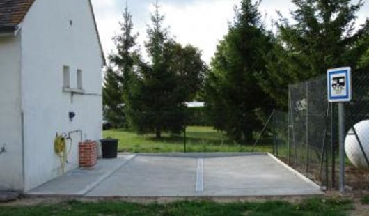 Aire de stationnement pour camping cars - Camping de Villechaume Sennely
