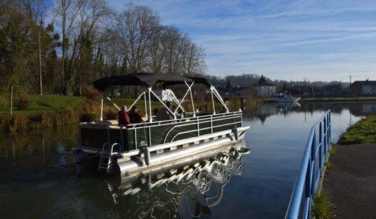 Location de bateaux électriques sur le Canal de Briare
