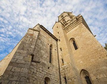 Iglesia y el altar de Larrazet