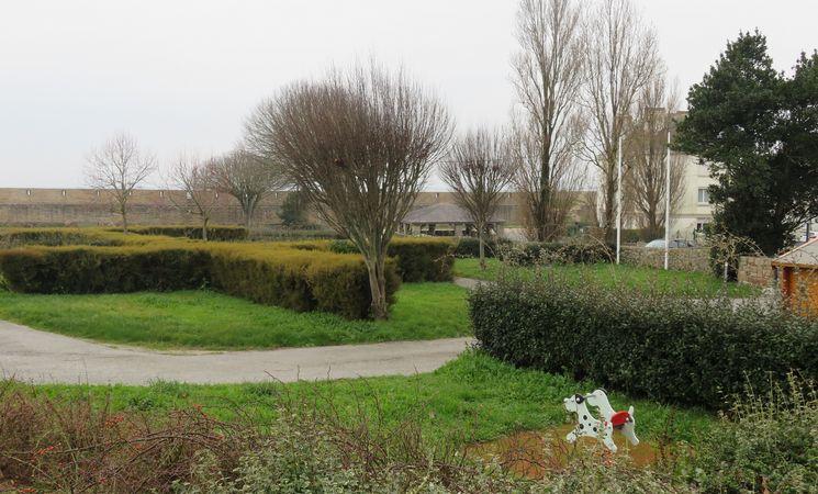 1-aire-de-services-camping-municapl-des-remparts-morbihan-commerce-bretagne-Groix