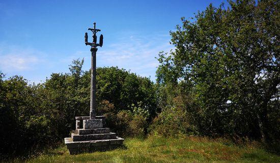 Le calvaire-autel de Kergoal-Vihan