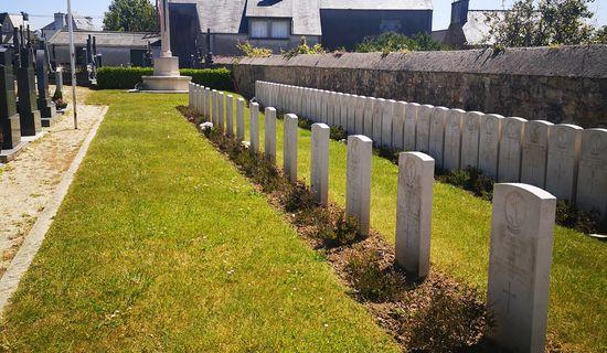 Le carré des canadiens / Commonwealth war graves