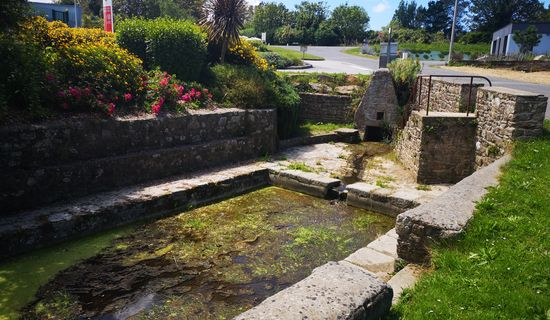 Lavoir et fontaine de Kerveuleugan